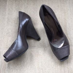 Lovely Ash Gray Vince Camuto Leather Heels